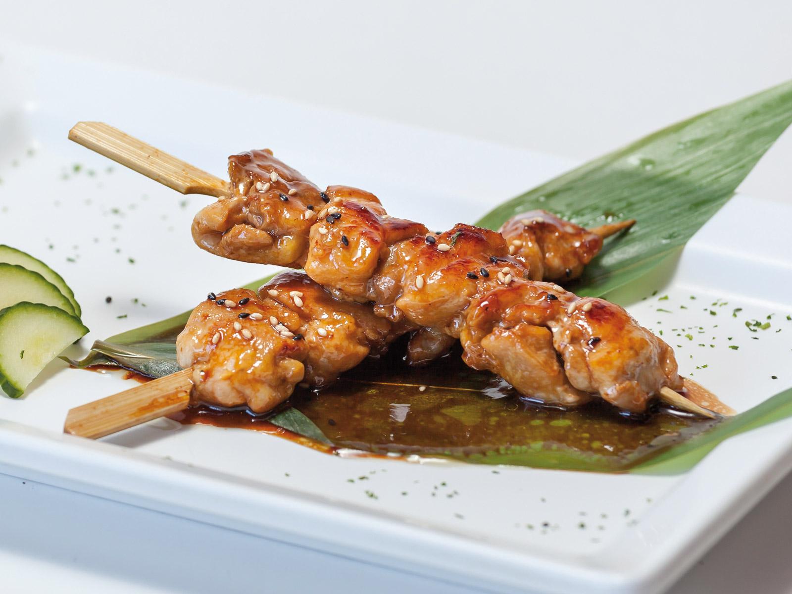 brocheta-de-pollo-teriyaki-satay